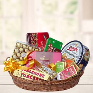 Chocolate Basket Chocolates Beautiful Gift Hamper, India