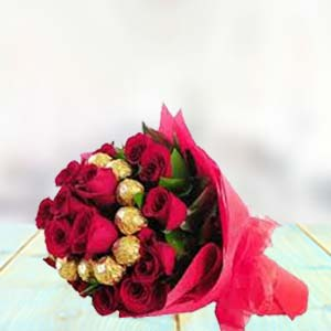 Flowers With Chocolate Bunch: Rose Day Bhuvaneshwar,  India