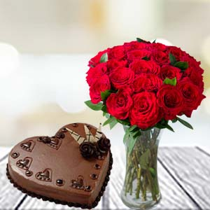 Valentine Cake & Flower Combo: Hug Day  India