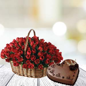 Rose Basket And Cake: Karwa Chauth Gifts  India