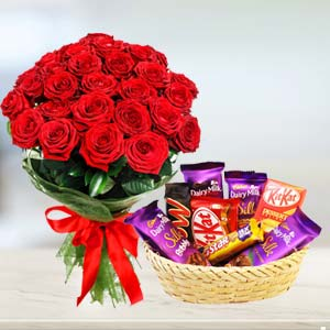 Red Roses Combo: Rose Day Hissar,  India