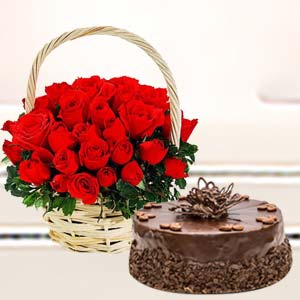 Basket Of Roses With Cake: Rose Day Guna,  India