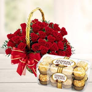 Chocolate Combo With 20 Roses: Karwa Chauth Gifts  India