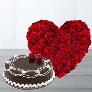Heart Shaped Roses Arrangement: Gift Panipat,  India