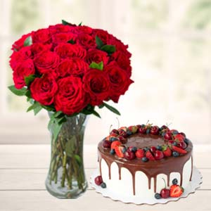 Roses Combo With Cake And Vase: Unique-birthday-gifts  India