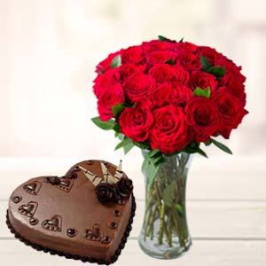 Red Roses With Heart Shaped Cake: Gift For Friends  India