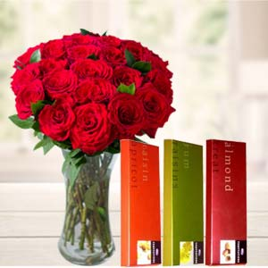 Roses In Vase With Temptations: Valentine's Day Chocolates Bilaspur,  India