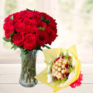 Roses In Vase With Ferrero Rocher: Gift Karnal,  India