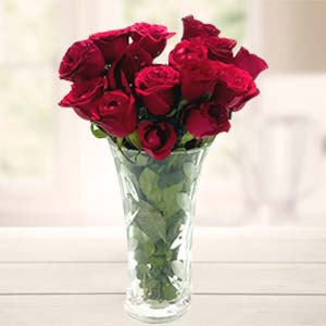 Red Roses In Vase: Gifts For Wife  India
