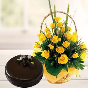 Fresh Yellow Roses With Chocolate Cake: Gift Trivandrum,  India