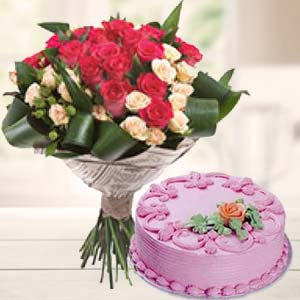 Roses Bunch With Strawberry Cake: Mothers-day  India