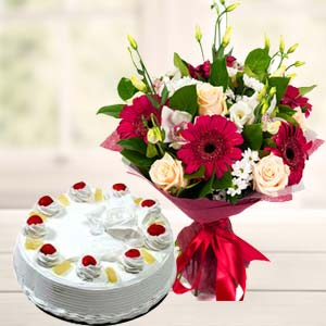 Mix Flowers With Pineapple Cake: Gifts Mumbai,  India
