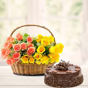 Fresh Mix Roses With Chocolate Cake: Gift Khanna,  India