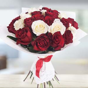 Bouquet Of Roses: Gifts For Her Jabalpur,  India